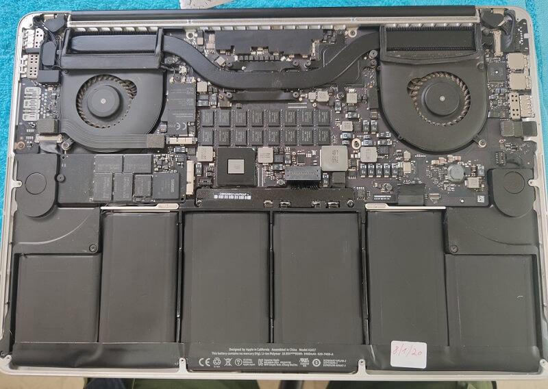מחשב אפל נייד מורכב